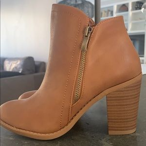 Side zip booties!